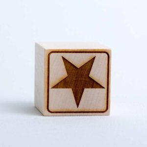 Holzwürfel Motiv Stern gelasert positiv