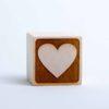 Holzwürfel Motiv Herz negativ gelasert