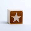 Holzwürfel mit Motiv Stern gelasert negativ