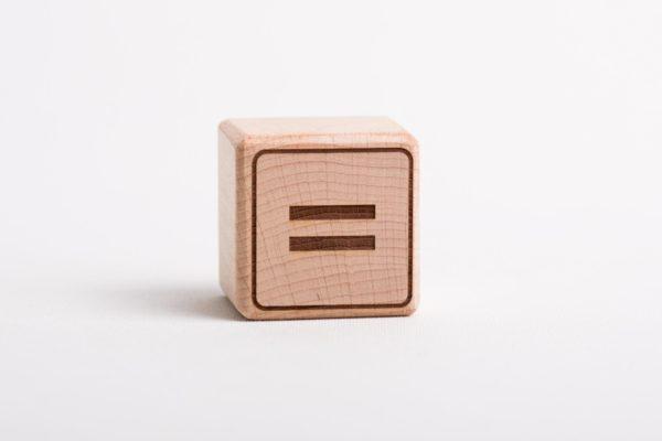 Holzwürfel =