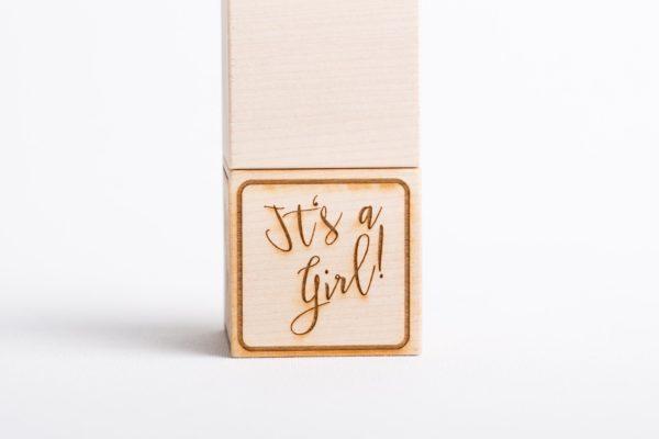 Holzwürfel It's a girl