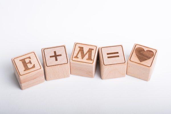 Holzwürfel Zeichen +